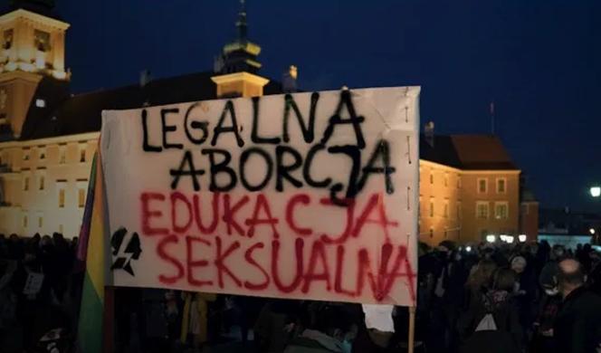 Victoria de la calle en Polonia: el Gobierno retrasa la entrada en vigor de la restricción del aborto