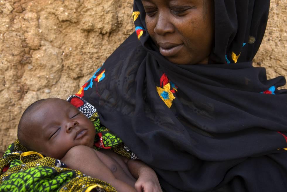 """Desmantelan una """"fábrica de bebés""""en Nigeria. Violaban a mujeres para vender sus bebés"""