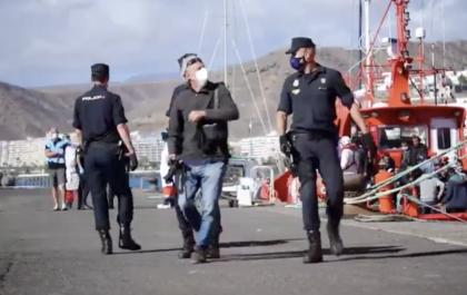 Vídeo | El fotógrafo Javier Bauluz, Premio Pulitzer, denuncia las trabas policiales para retratar la migración